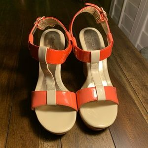 EUC Croft & Barrow Beige Coral Strap Wedges